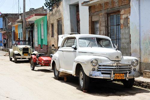 Digitale Bilderschauen über Kuba, Grönland und Island